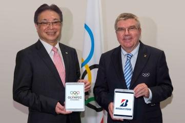 Masaaki Tsuya, CEO and Representative Executive Officer, Bridgestone Corporation (left) and Dr Thomas Bach, President, International Olympic Committee