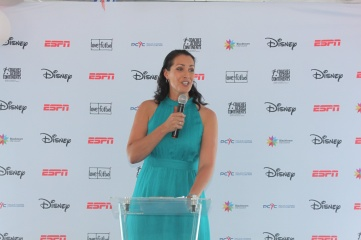 3.	ESPN sports reporter and commentator, Stephanie Brantz, hosted the inauguration