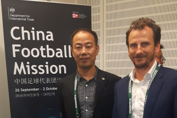 Li Jiuquan, Director of Marketing Department, Chinese Football Association and Ben Avison, Editorial Director, Host City at Soccerex Global Convention (Photo: Host City)