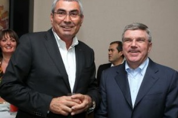 Prof Dr Ugur Erdener (L) and Dr Thomas Bach (R) at a reception for the World Archery Championships in Belek, which hosted last year's SportAccord Convention