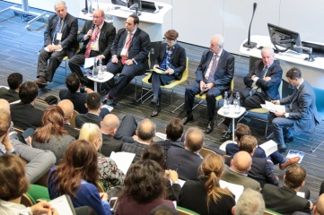 Speakers at Host City 2016 included: (L-R) Francesco Ricci Bitti, President of ASOIF; Paul Bush OBE, Director of Events at VisitScotland; Dimitri Kerkentzes, deputy Secretary General at BIE (World Expos);  Sarah Lewis, Secretary General, FIS and AIOWF; Simon Clegg CBE, COO of World Expo 2020 Dubai; and Sir Craig Reedie CBE, IOC member and President, WADA. Moderator: Robert Datnow, The Sports Consultancy