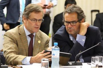Lima 2019 president Carlos Neuhaus (left) with PASO president Neven Ilic