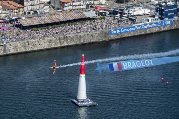 The Ghost Plane augments the real camera picture with computer-generated content (Photo: Red Bull Air Race)