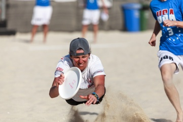Flying disc is one of the sports applying through a process that is prioritising youth appeal. (Photo: Dubai Beach Ultimate 2015 by Mehdi Photos / Shutterstock)