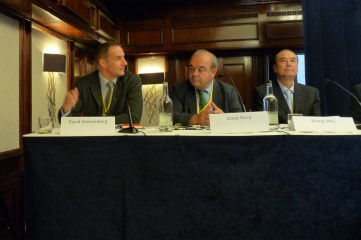 David Grevemberg (left), CEO of the Commonwealth Games Federation and Glasgow 2014, at HOST CITY Bid to Win with city leaders Josep Roca of Barcelona and Wang Wei of Beijing