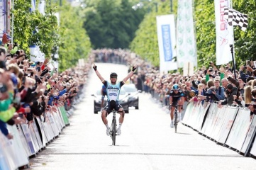 Mark Cavendish winning the British National Road Race in Glasgow in 2013