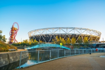 The London Olympic Stadium photographed during renovation in October 2014 (Photo: Rubinowa Dama / Shutterstock)
